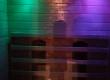 Koloroterapia w saunie na poprawę humoru