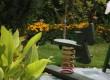 Drewniany konik - atrakcja dla małych dzieci